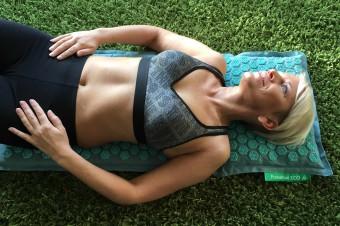 Masāžas paklājiņš veselībai un skaistumam. Testējam Pranamat Eco